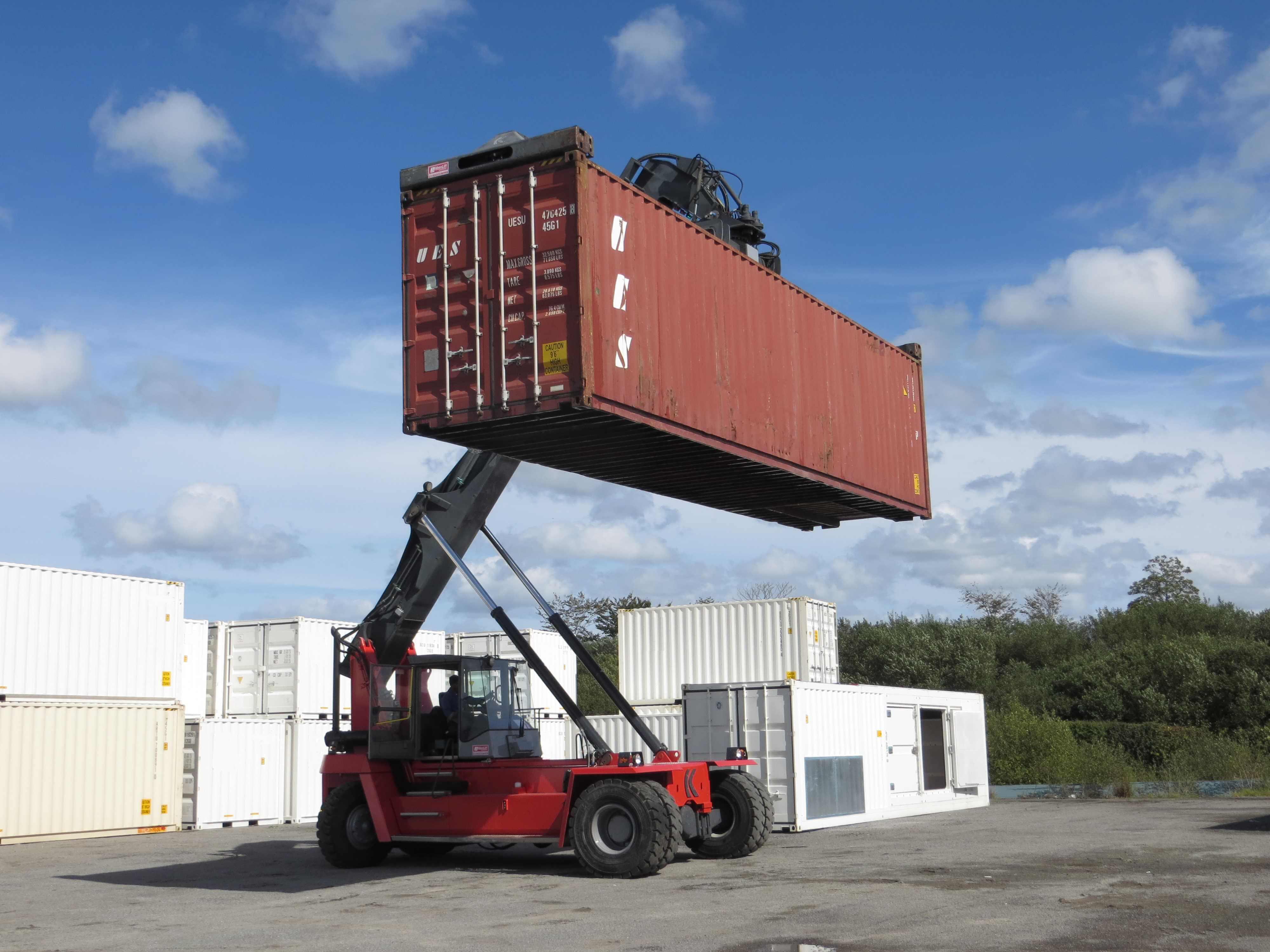 Oxymontage vient de faire l 39 acquisition un chariot quip for Isoler un container maritime